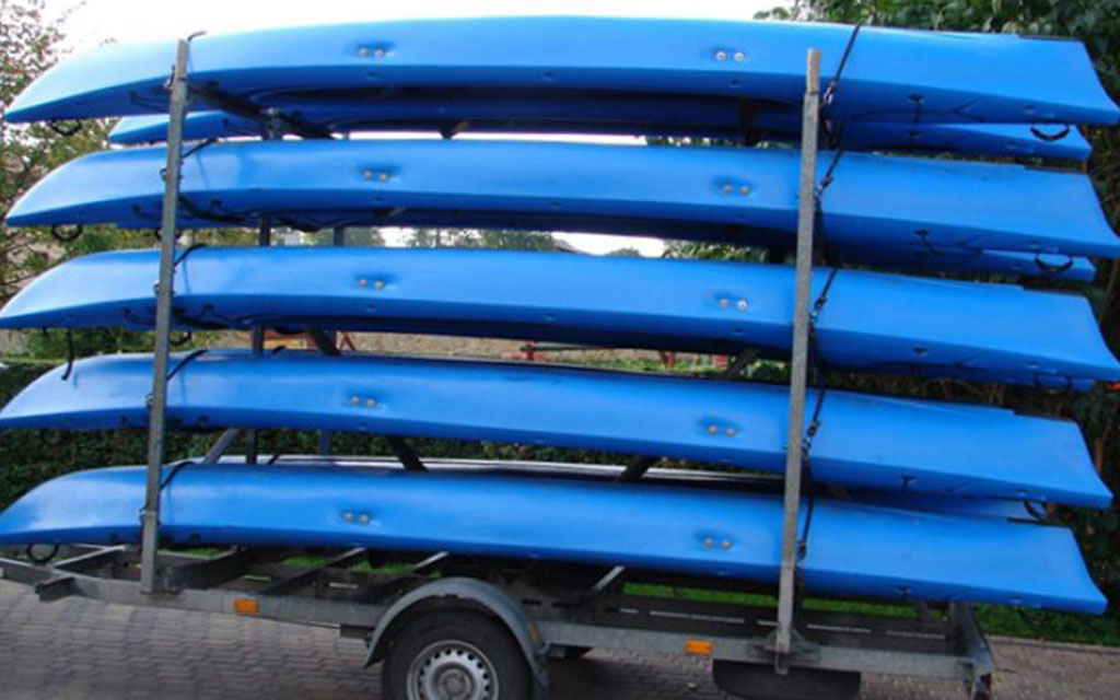 Trailer with approval for the transport of 10 kayaks